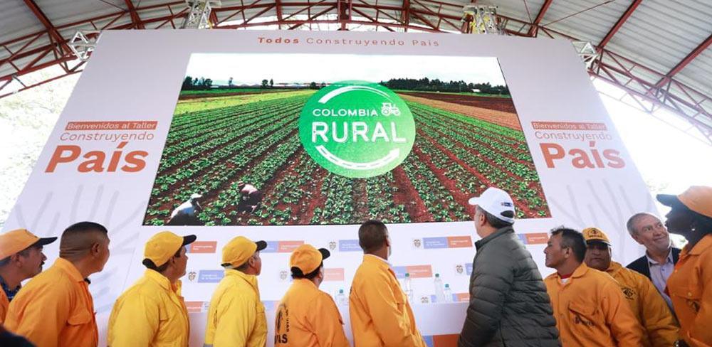 """""""Colombia Rural"""" nace para beneficiar los corredores productivos, turísticos y agrícolas mediante la conectividad de la red terciaria del país"""