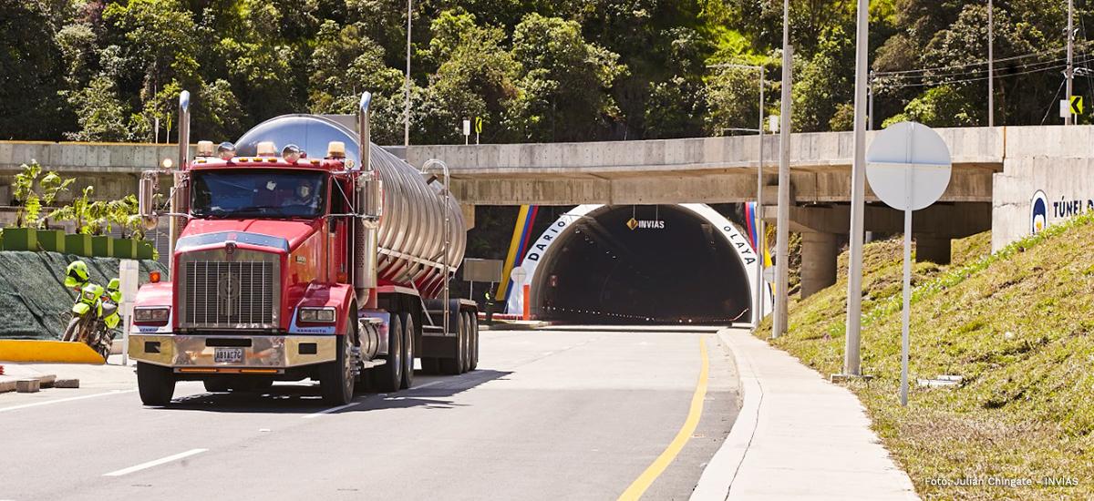 Fotografía de la salida del túnel de La Línea.
