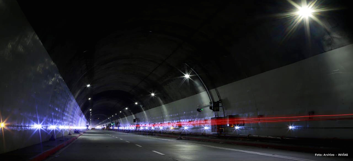 Fotografía del interior del túnel de La Línea.