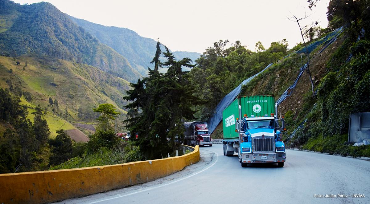 Fotografía de la transitabilidad en el corredor Calarcá - Cajamarca. Fotografía: Julián Pérez - INVÍAS.