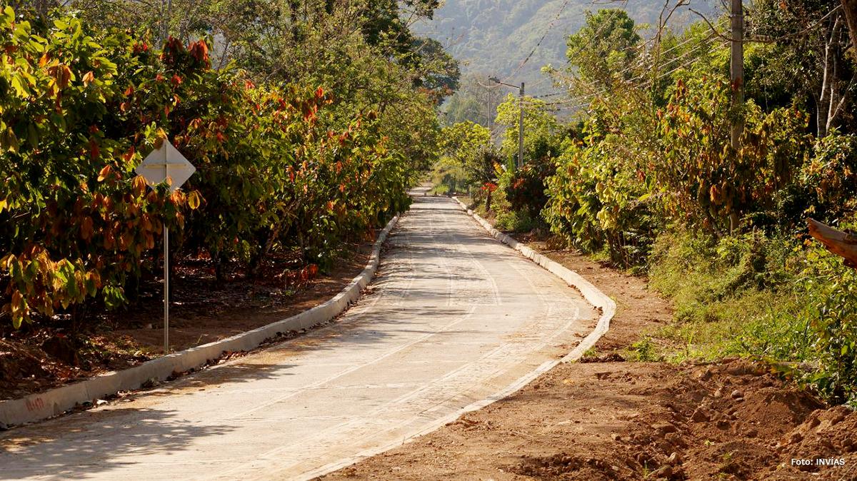 Fotografía de vía terciaria en la Jagua del Pilar, La Guajira.