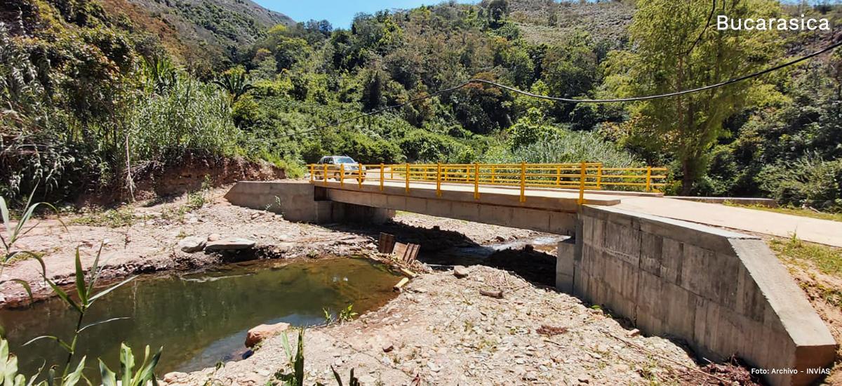 Fotografía puente en vía Bucarasica.