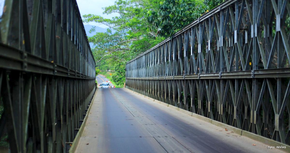 Fotografía de puente en vía de la región que será beneficiada por el Compromiso por Colombia.