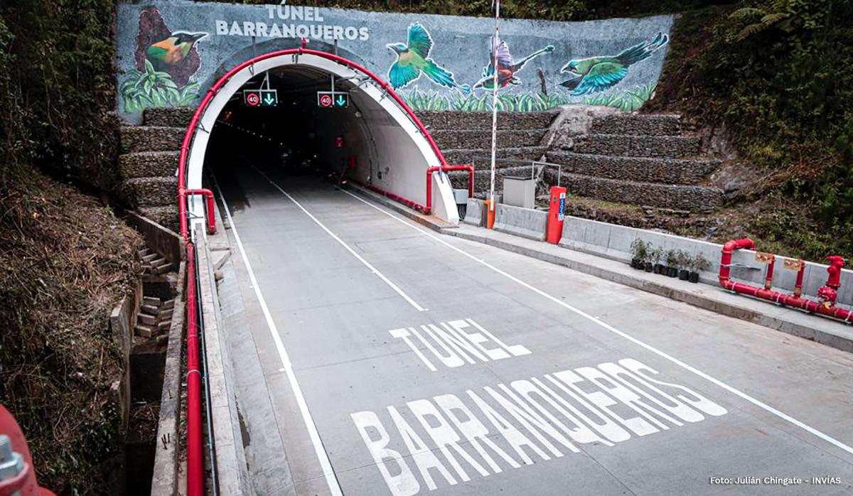 Fotografía del ingreso al túnel Barraqueros, obra que hace parte del túnel de La Línea en el corredor vial Calarcá - Cajamarca.