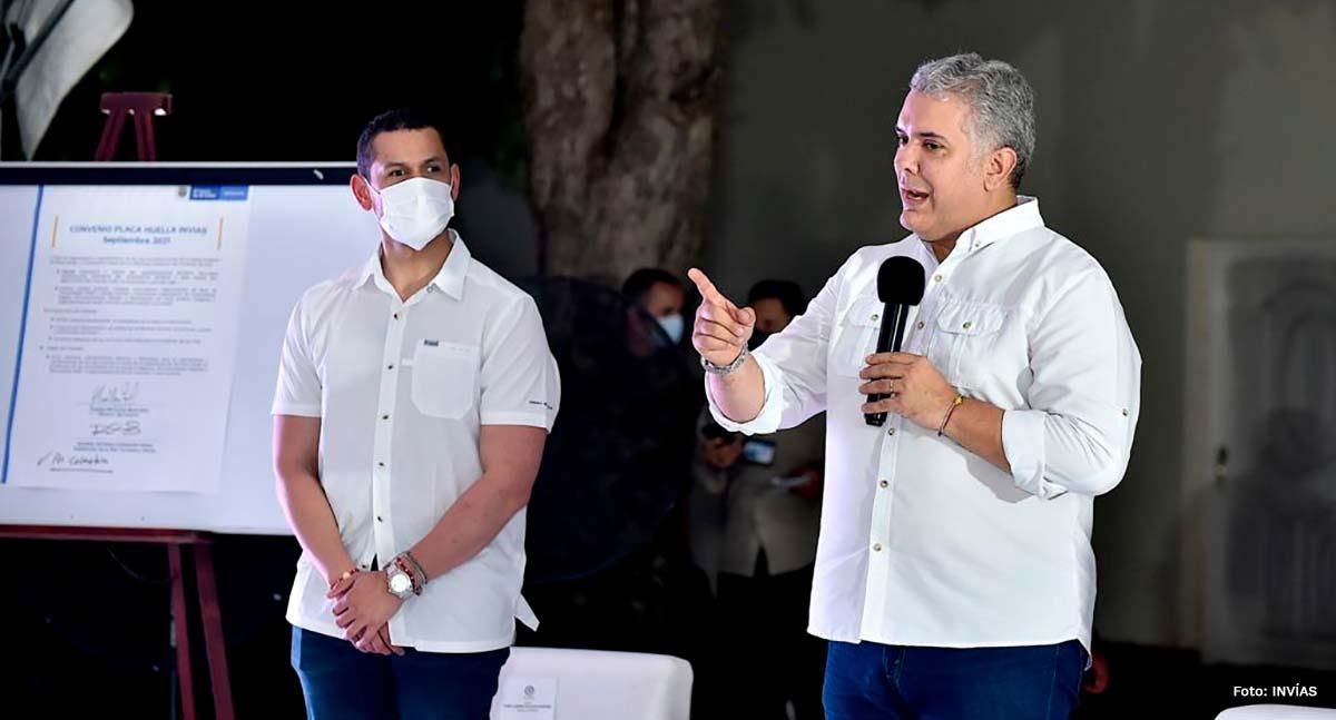 Fotografía de la intervención del Presidente de la República, Iván Duque Márquez, en la firma del convenio para mejorar las vías terciarias.