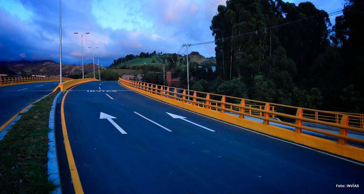 Fotografía de la vía variante Manizales.