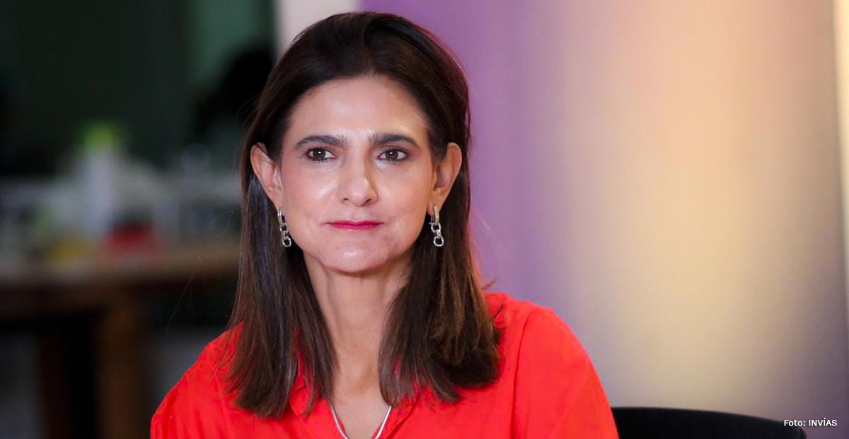 Fotografía de la Ministra de Transporte, Ángela María Orozco durante el evento.